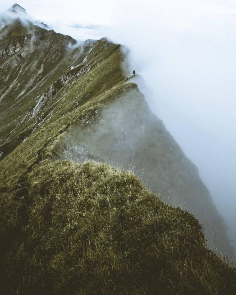 A ridge in the fog